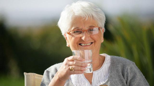 tomando-agua-de-bicarbonato